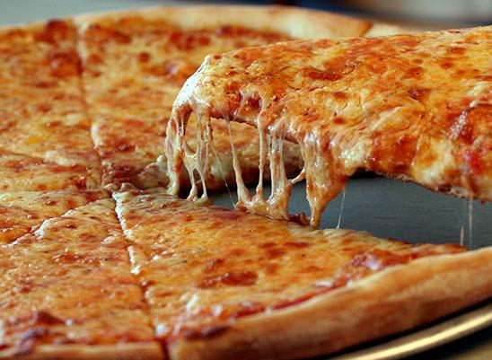 ¿Siempre quieres comer papas fritas o pizza? Los alimentos altamente procesados son los que están más vinculados a la adicción