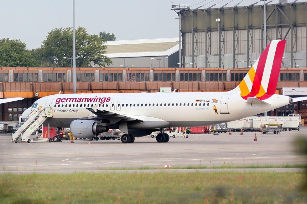 Tragedia aérea: Avión que se dirigía a Düsseldorf desde Barcelona se estrella en los Alpes franceses