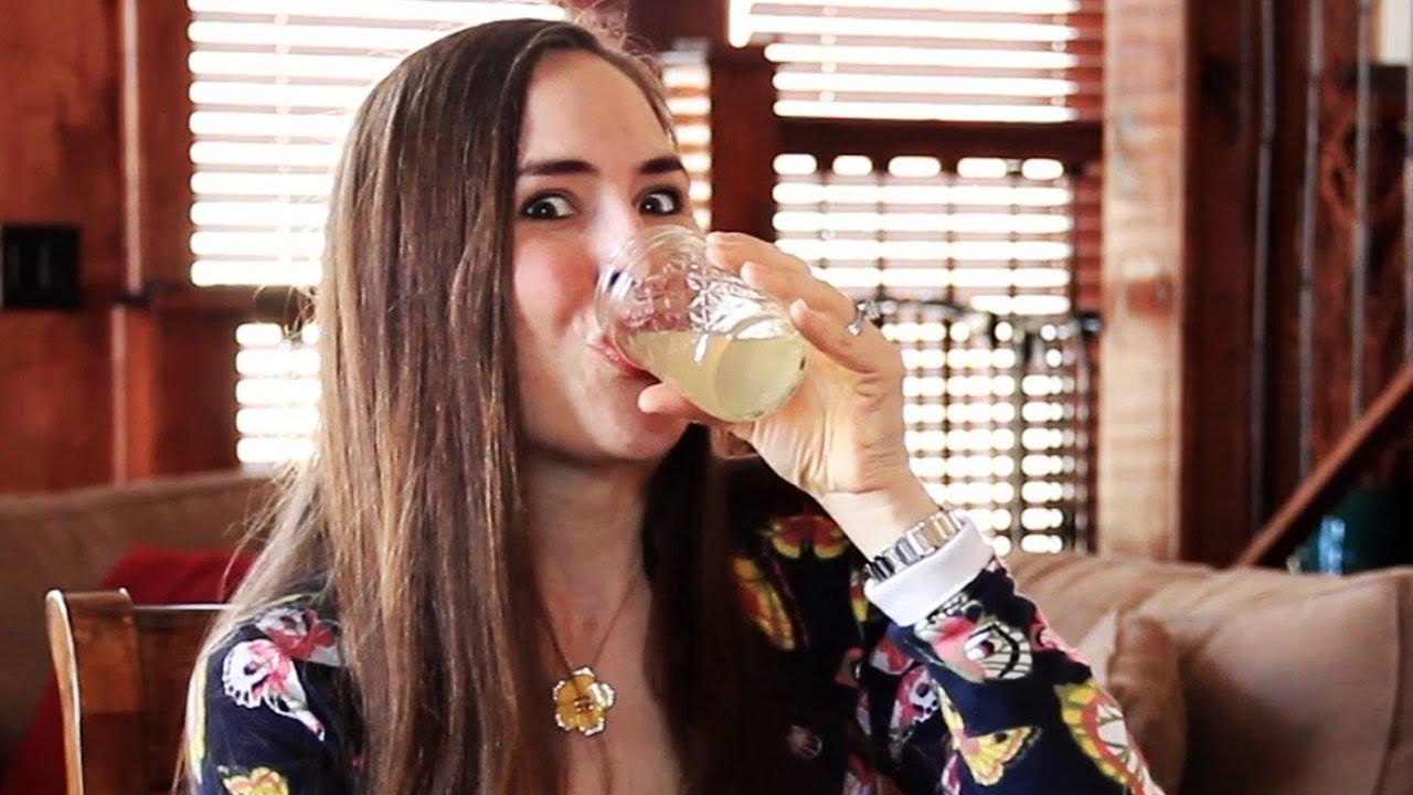 Si bebe agua caliente con limón durante un año esto es lo que pasará