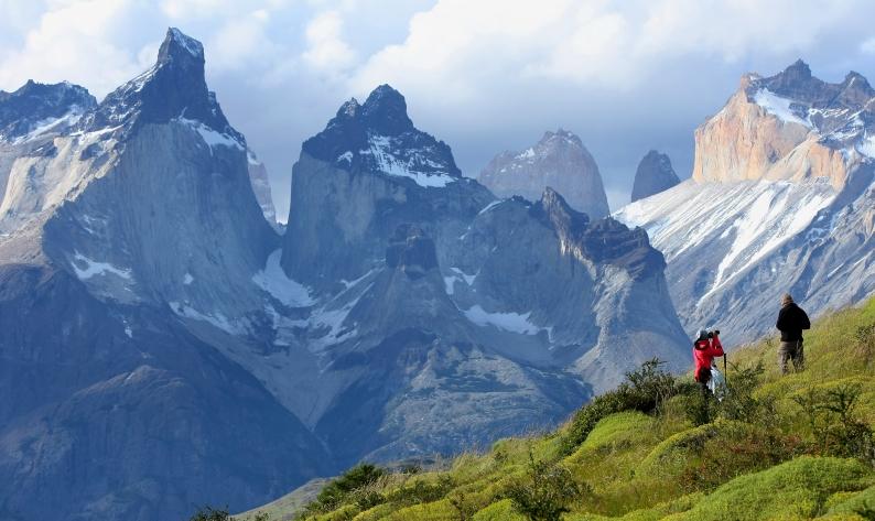 Conaf expulsó nuevamente a turista por encender fuego en Torres del Paine