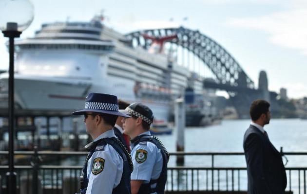Policía de Australia admite espionaje a periodistas