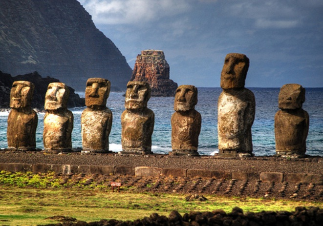 Descontento en Rapa Nui: Se toman los parques arqueológicos y bloquean acceso a turistas