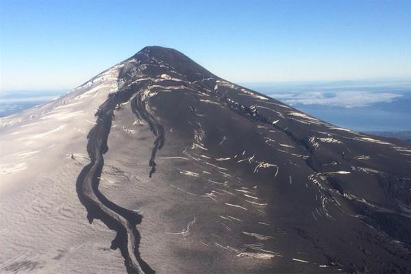 Volcán Villarrica: Onemi mantiene alerta roja en un radio de 10 kilómetros