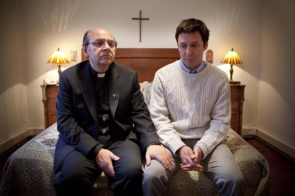 Papa realiza reunión con víctimas de abuso sexual, pero excluye a protagonistas del caso Karadima y mantiene a encubridor Obispo Barros en la primera línea