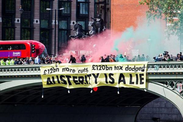 Siguen las protestas en Reino Unido contra las políticas neoliberales de Cameron