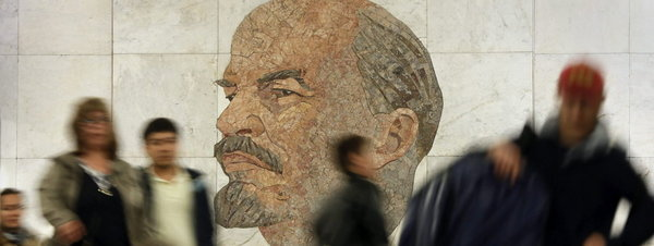 El metro de Moscú cumple 80 años, una auténtica obra de arte soviética