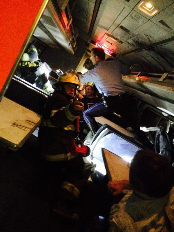 Al menos seis muertos tras descarrilar un tren en Estados Unidos