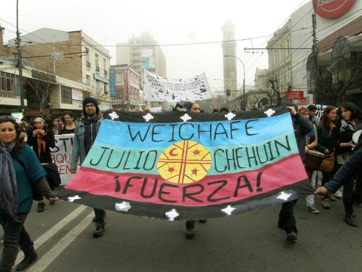 El comunicador mapuche que casi muere por ser atropellado en un marcha estudiantil sigue en busca de justicia