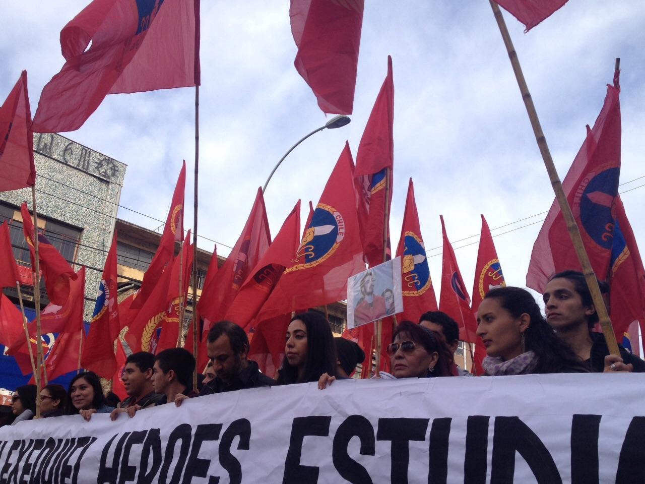 Padres de Diego Guzmán marcharon por la educación en Valparaíso