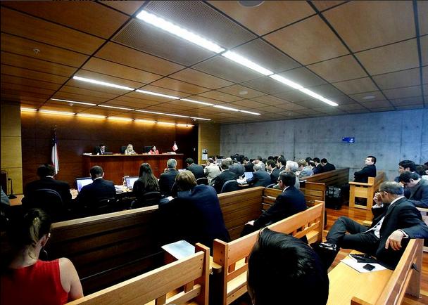 Caso Farmacias: Tribunal absuelve a los ejecutivos acusados de alterar el precio de medicamentos
