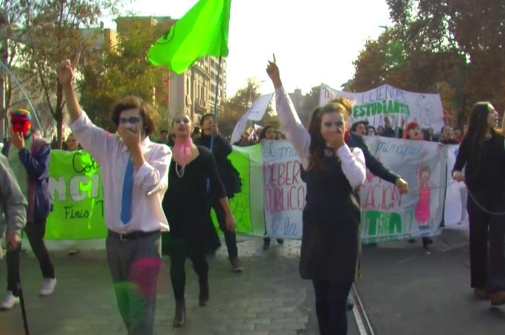 Marcha de las propuestas: Estudiantes y profesores demandaron más participación en las reformas
