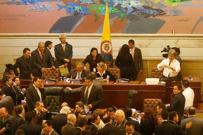 Eliminan la Reelección Presidencial en Colombia