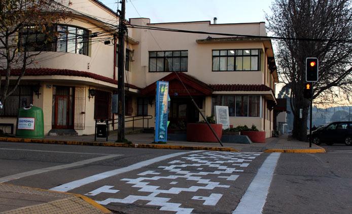 We Tripantu: Cruce peatonal con símbolos mapuche sorprendió a los vecinos de Angol