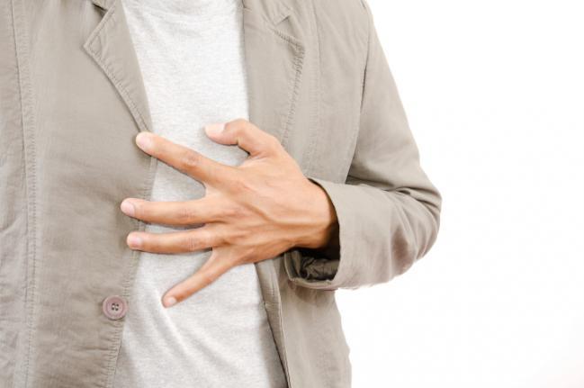 Cómo parar un ataque al corazón en tan solo un minuto