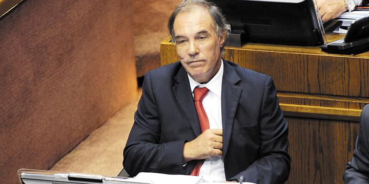 Senador Jaime Orpis es desaforado