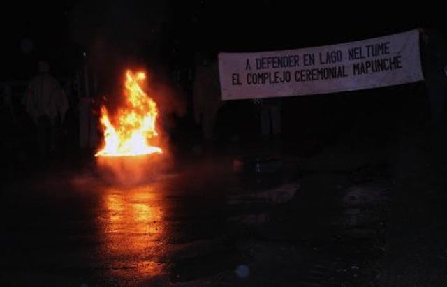 Comunidades mapuche de Neltume se toman ruta ante ofensiva de Endesa