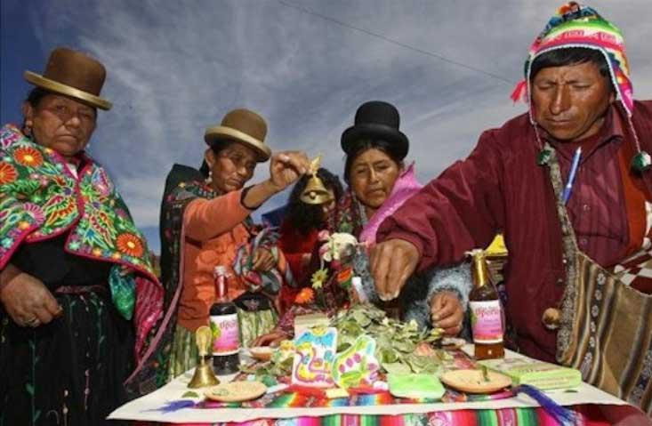 Bolivia reconoce oficialmente la medicina de sus pueblos originarios