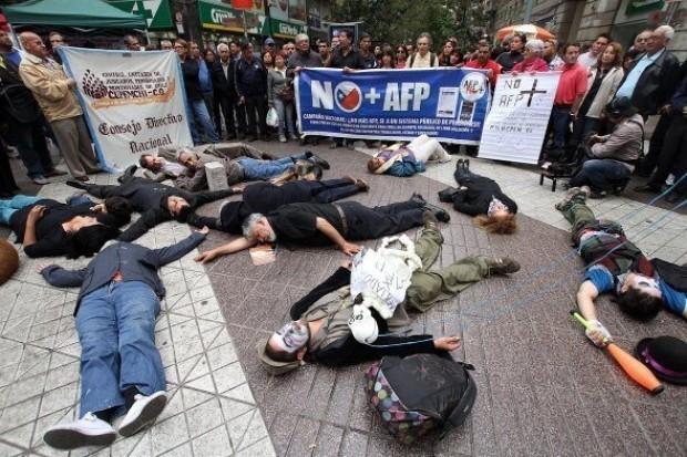Gobierno renuncia a reformar sistema de AFP