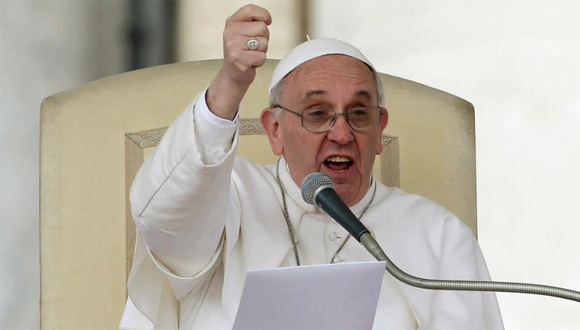 ¿Lollapapalooza?: Vocero de comisión para visita papal compara ceremonia con masivo evento musical