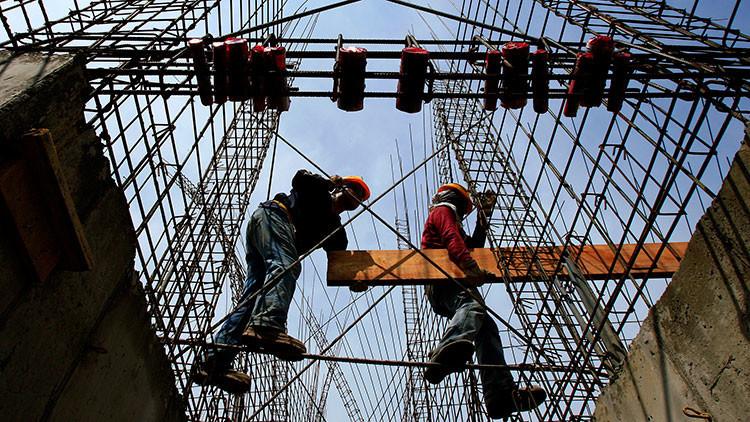 Chile es uno de los países de la OCDE donde más horas se trabaja