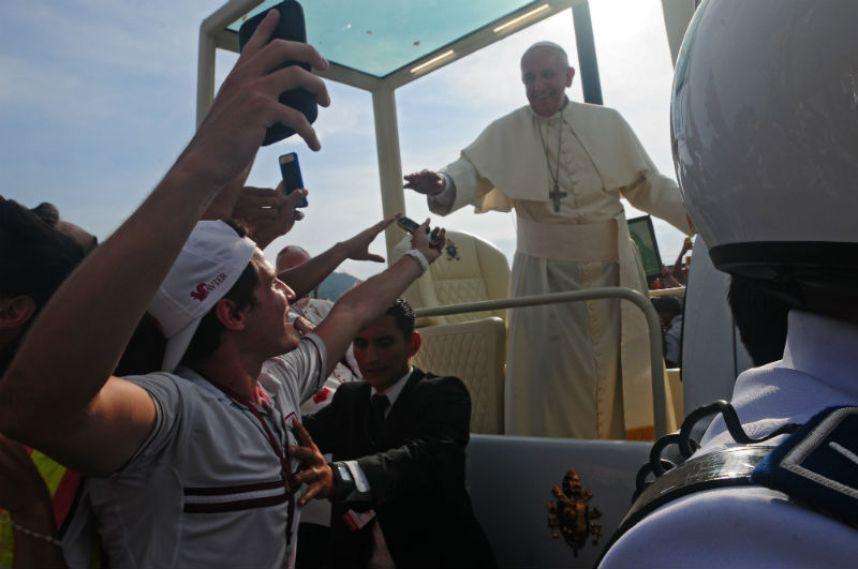 Papa Francisco se reúne hoy en Ecuador con representantes de grupos sociales