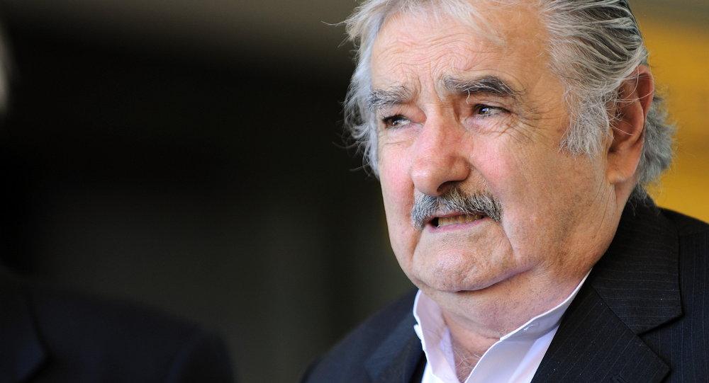 """Mujica califica de """"protectorado"""" al paquete de la UE para Grecia"""
