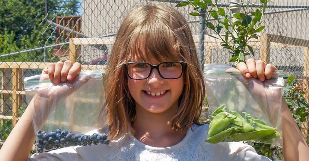 Niña de 9 años crea un huerto para alimentar a los más necesitados