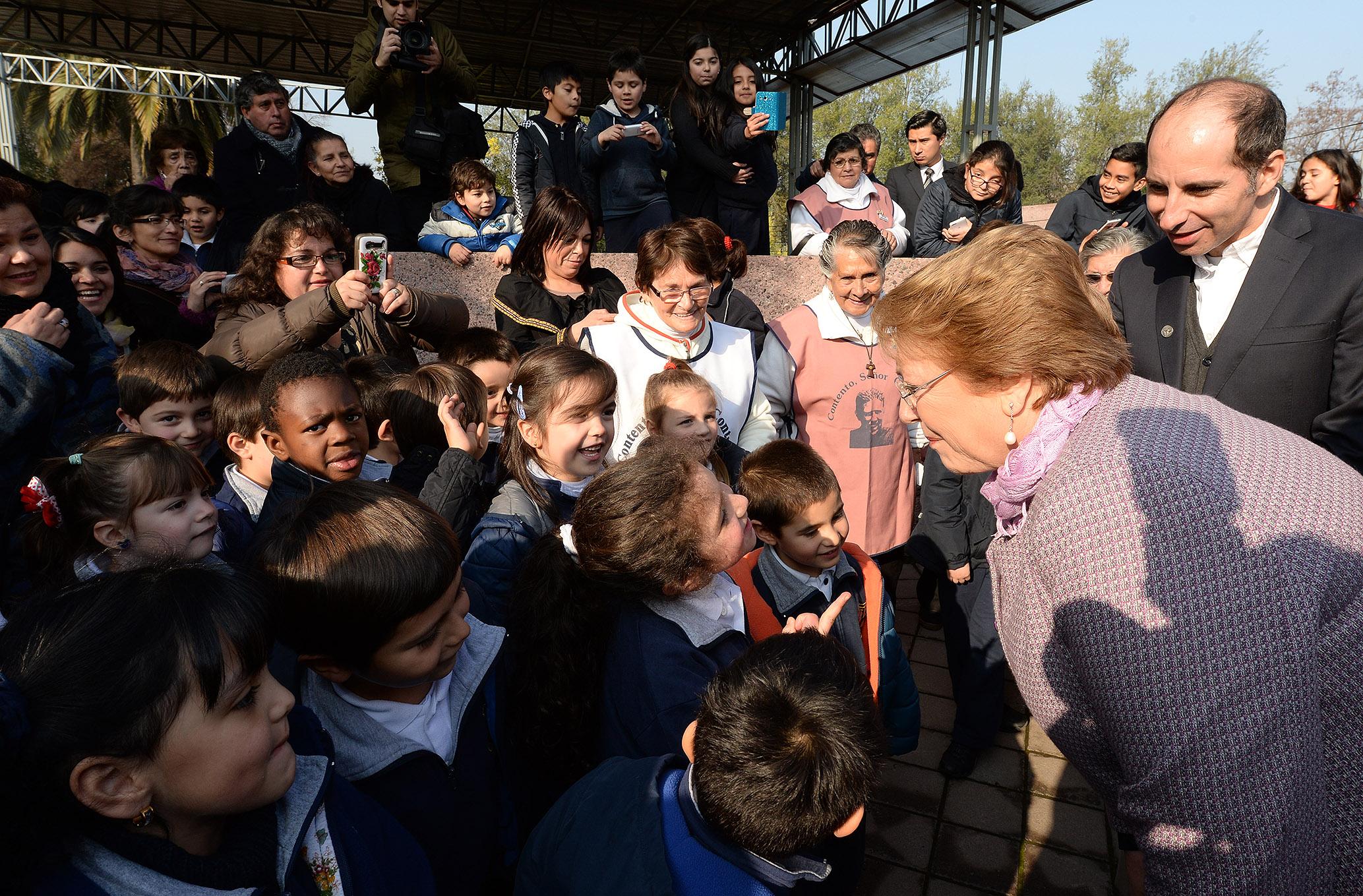 Bachelet «El debate que Chile requiere es de mayor altura y de mayor solidaridad»