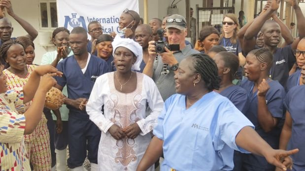 Sierra Leona da de alta a su última paciente de ébola