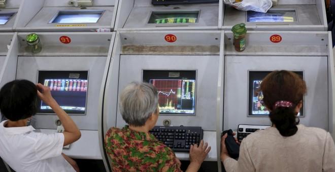 Las bolsas se desploman por la incertidumbre en la economía china