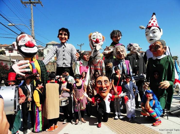 Los payasos y los títeres del Teatromuseo de Valparaíso cumplen 8 años