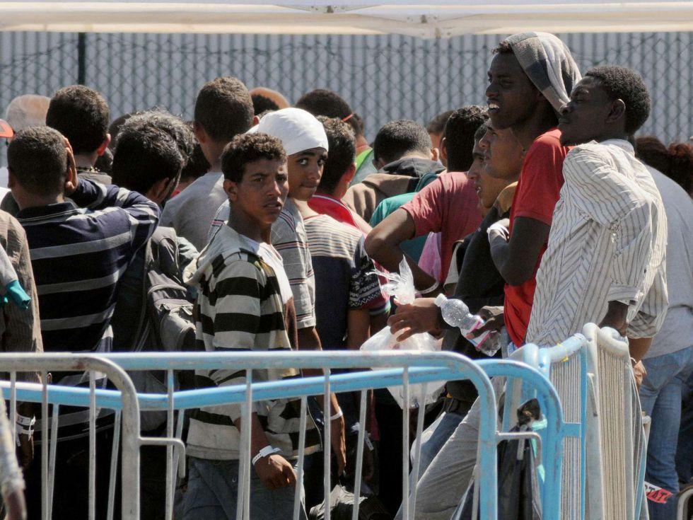 Hallados 50 cadáveres en la bodega de un barco de refugiados