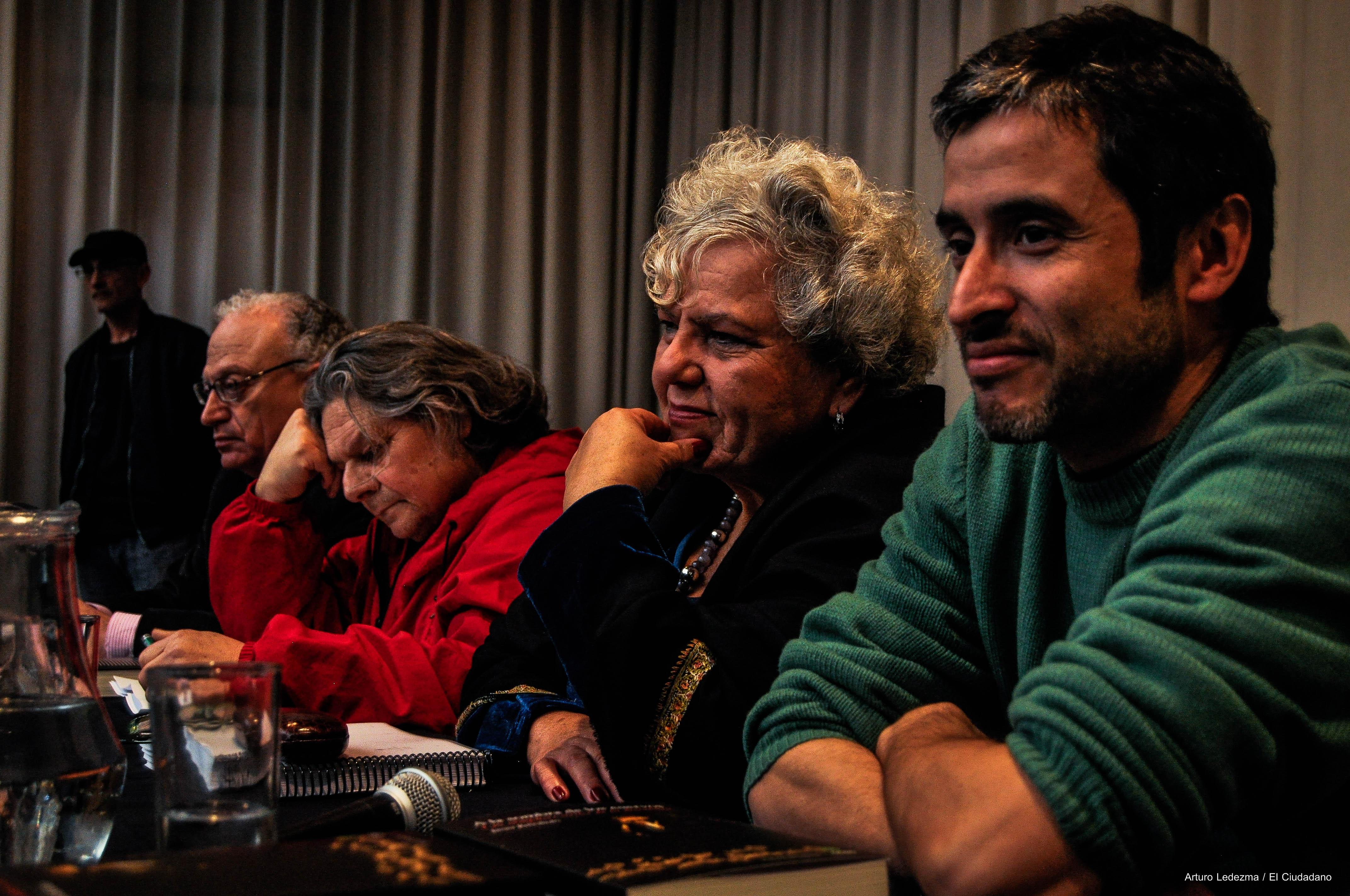 Seguimos a la sombra de los cuervos: Lanzamiento de Javier Rebolledo, pifias para Aleuy y otras palabras que incomodan al sistema