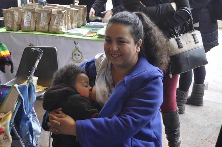 Lanzan campaña para promover lactancia materna