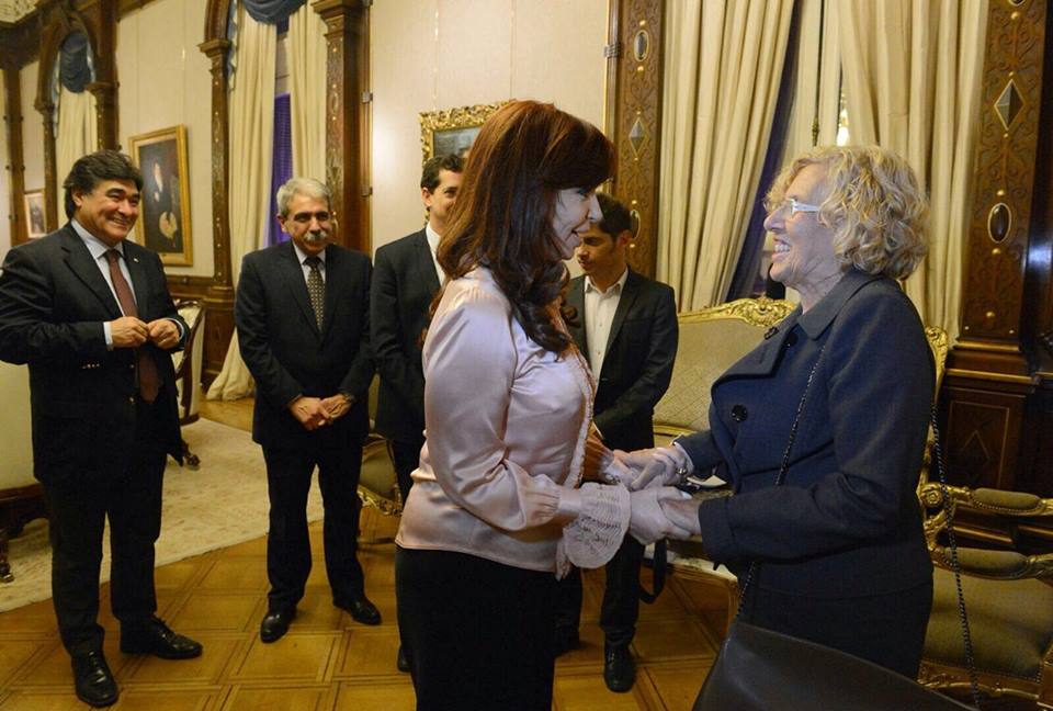 Fernández de Kirchner conoce a Manuela Carmena, rostro del cambio en España