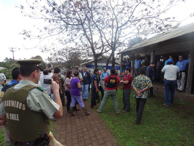 Policía chilena ocupa Parlamento Rapa Nui y detiene a su Presidente Leviante Araki