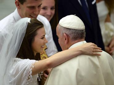 """Papa Francisco: """"Los divorciados no están excomulgados, son parte de la Iglesia"""""""