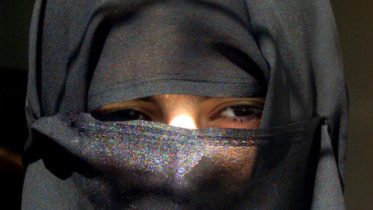 Arabia Saudita: Un vídeo de dos mujeres acosadas abre un debate nacional