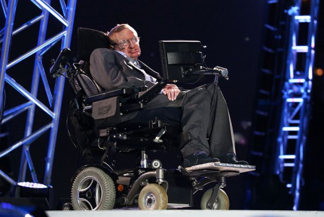 Según Stephen Hawking, estas son las tres cosas que van a destruir la humanidad