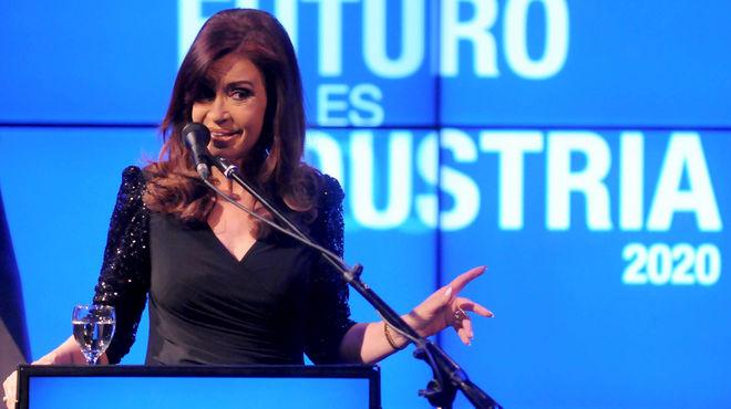 Cristina Kirchner le reclamó a los empresarios más inversión