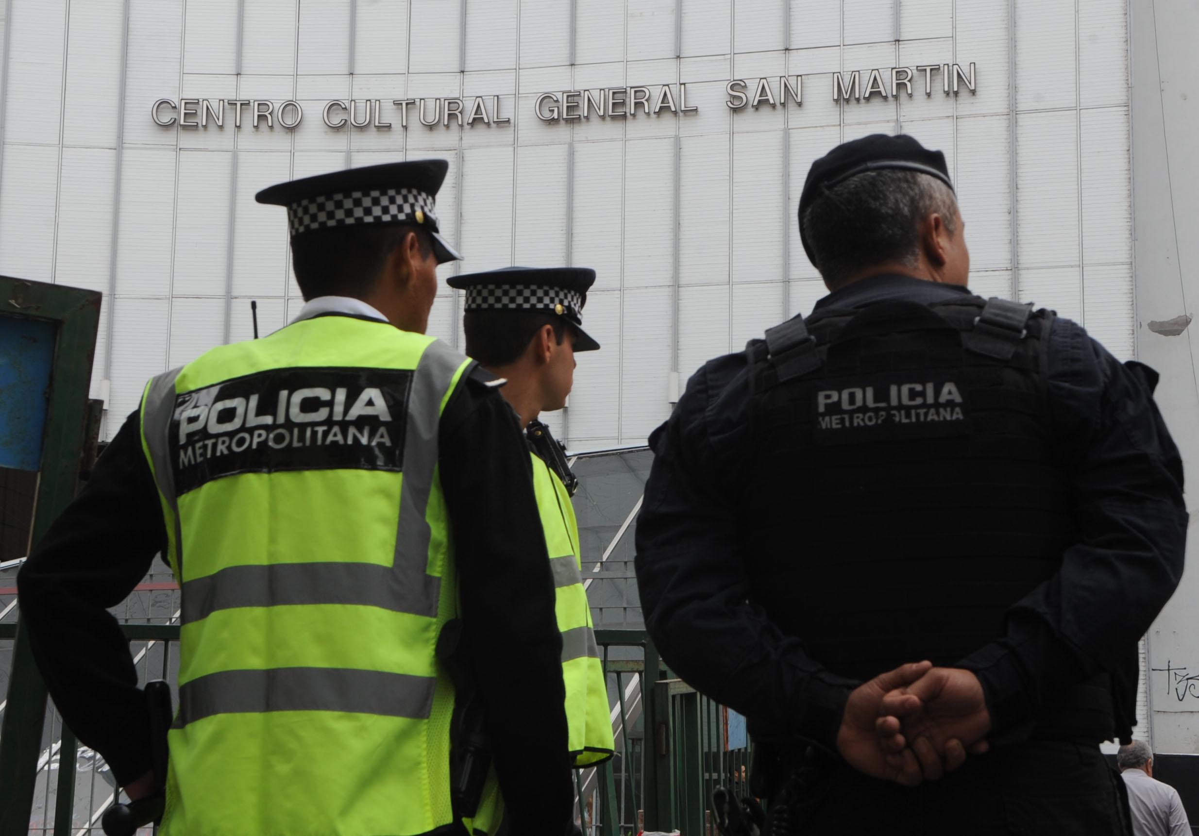 Abuso policial y discriminación: la Policía Metropolitana acusada de represión ilegal contra mujeres trans