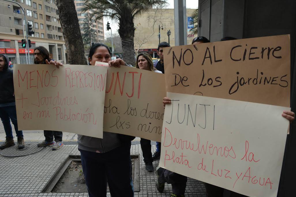 Anuncian cierre de jardines comunitarios autogestionados de Santiago Centro y San Bernardo