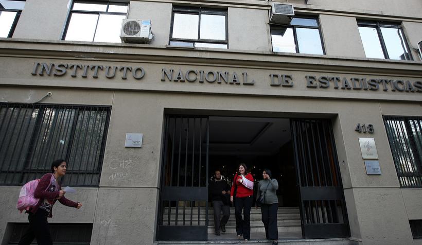 Funcionario del INE habría vendido información confidencial a empresas e instituciones