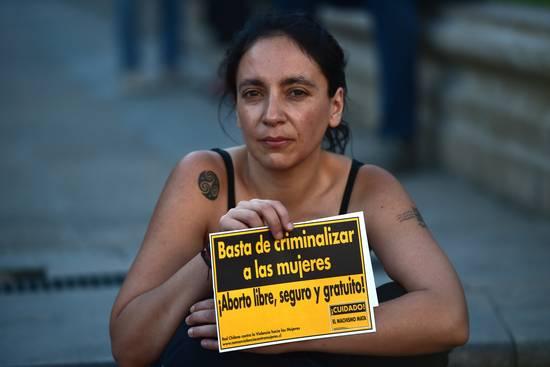 Despenalización del aborto en 3 causales: Oposición intenta trabar el avance del debate