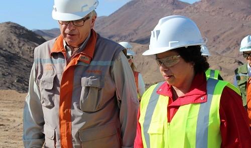 Anuncian crédito de emergencia para mediana minería