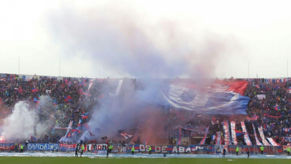 """Masivos """"banderazos"""" adornan la previa del Superclásico"""