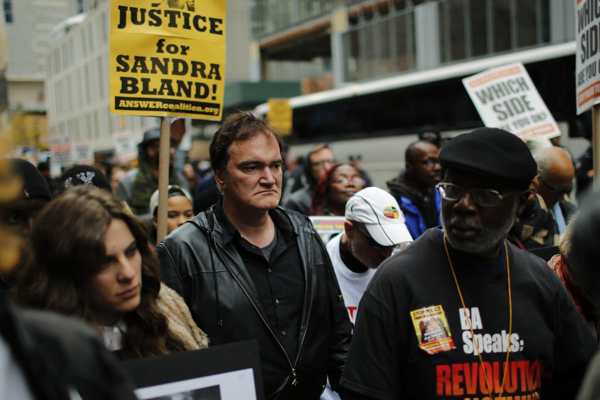 Policía de Nueva York amenaza a Tarantino con sabotear sus películas