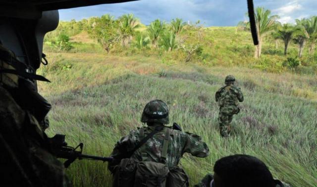 Un ataque de la guerrilla ELN deja 11 militares muertos y un policía en Colombia