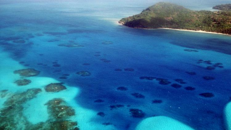 La paradisíaca isla colombiana donde los hombres desaparecen sin dejar rastros