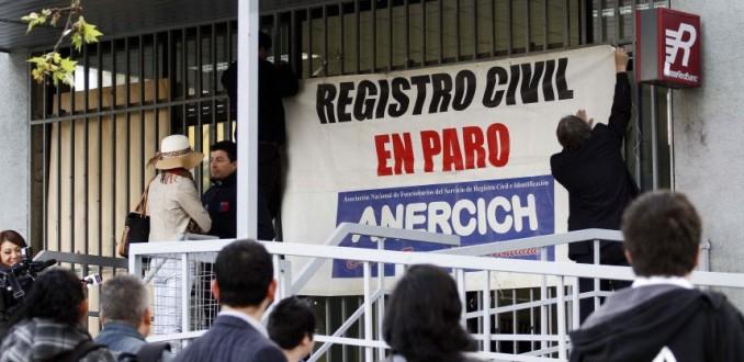 Funcionarios del Registro Civil hacen llamado de atención por descuentos